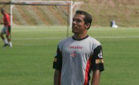 Batido o martelo: Leandro Domingues está de volta ao Vitória