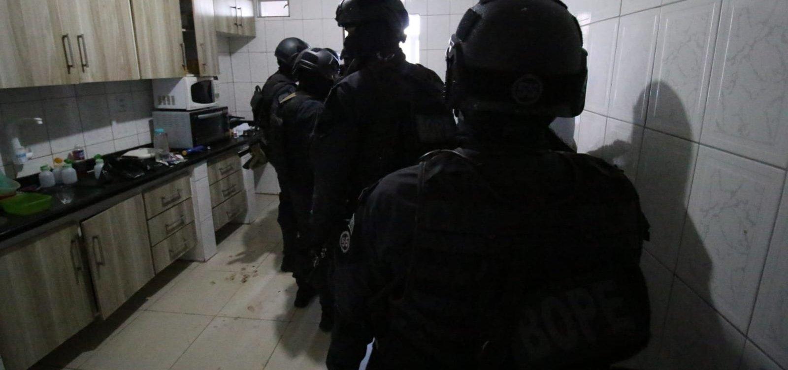 Após 3h30 de negociações, Bope libera mulher feita refém por ex-marido em Sussuarana; homem é preso
