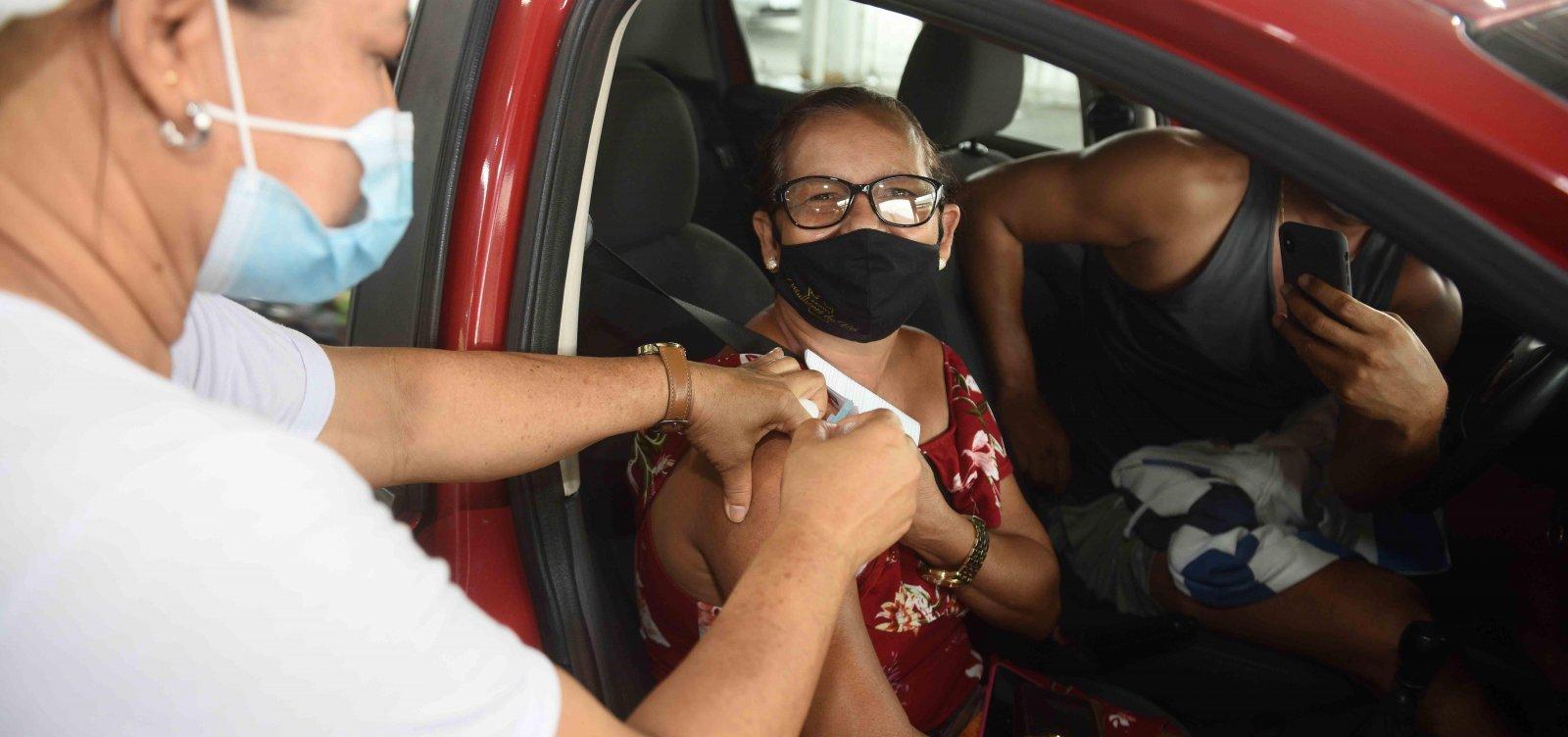 Salvador inicia aplicação da 3ª dose para pessoas com 60 anos ou mais nesta terça-feira