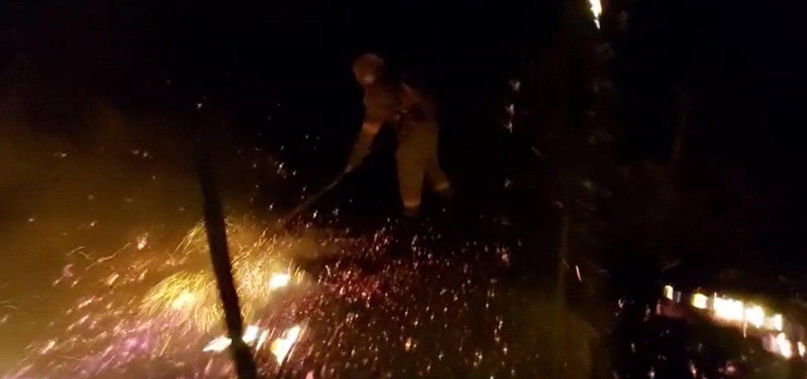 Brigadistas passam noite no combate a incêndio na Chapada; veja vídeo