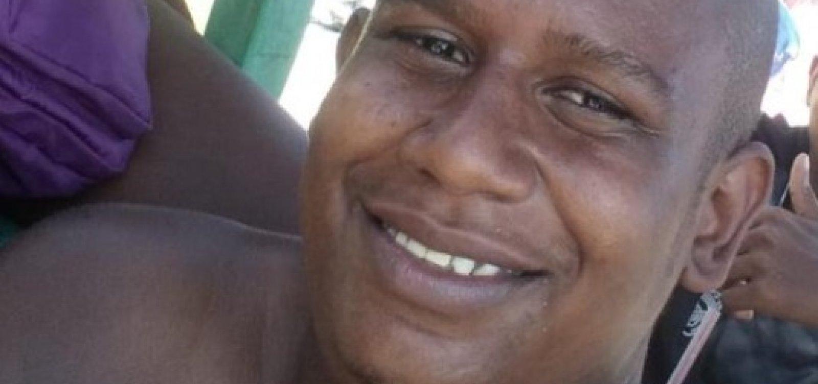 """""""A polícia destruiu minha família"""", diz irmã após morte de jovens da Barroquinha"""