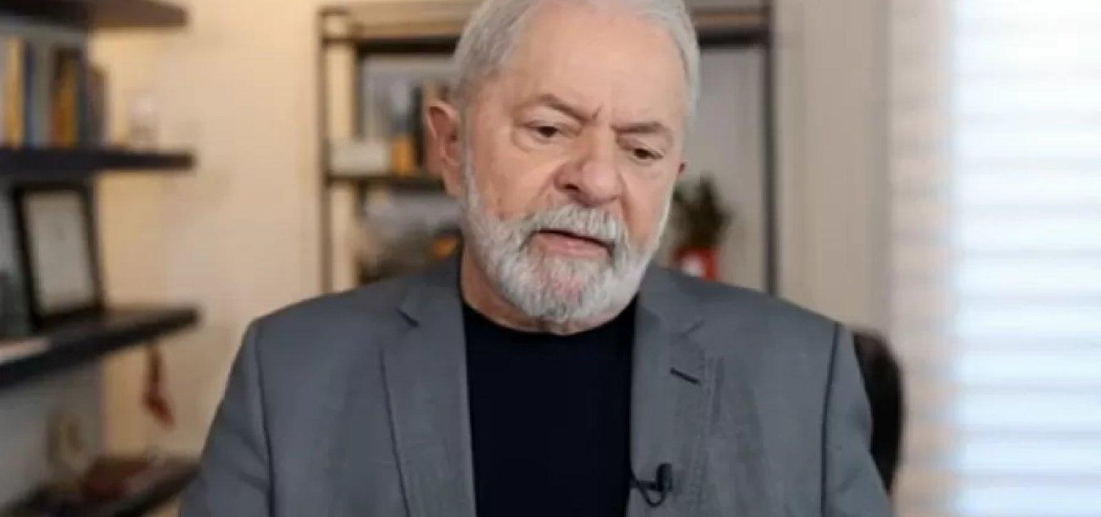 """""""Foi para milicianos que o apoiam"""", diz Lula ao atacar foto de Bolsonaro com pizza"""
