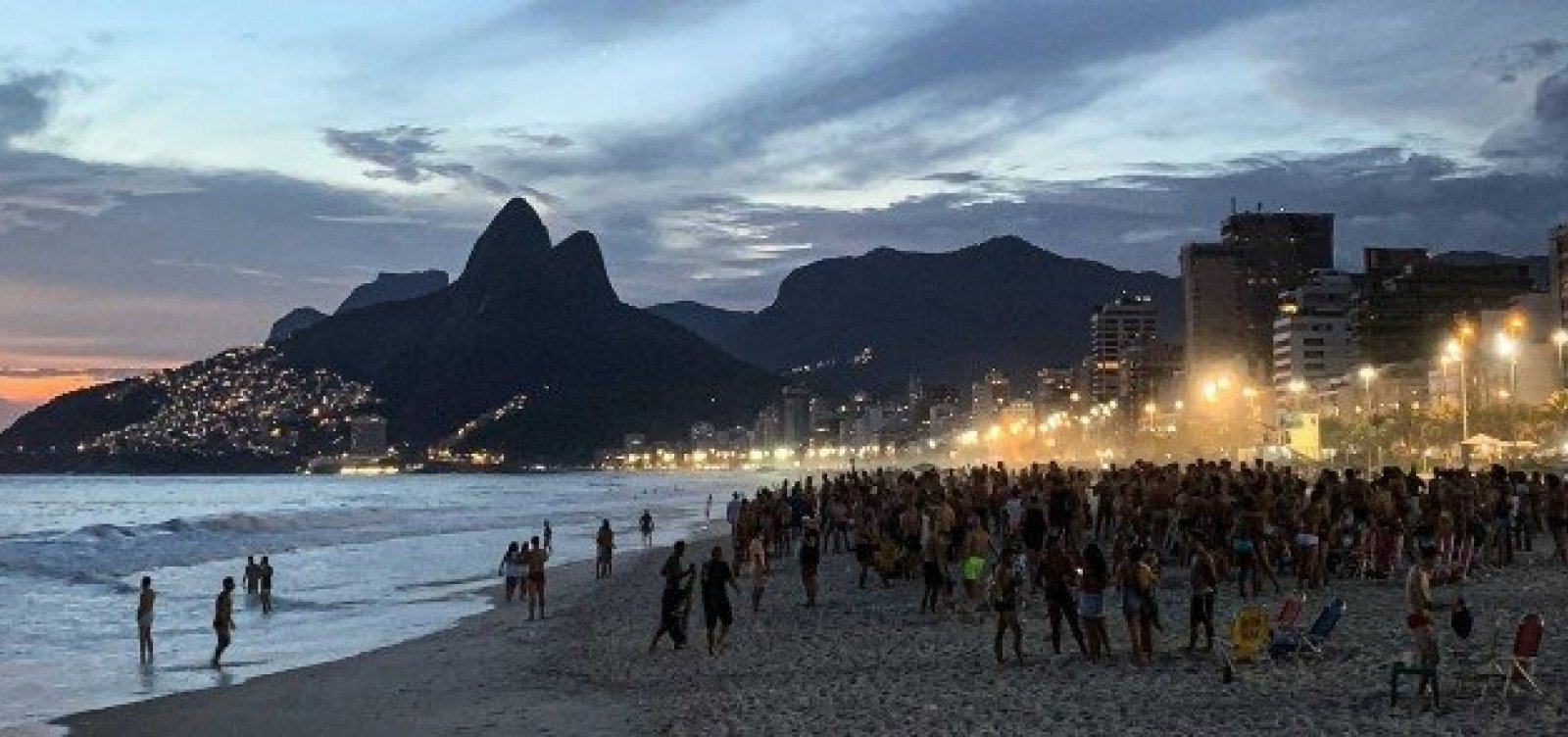 Mais rígido que Salvador, Rio de Janeiro passa a aceitar eventos com até 500 pessoas