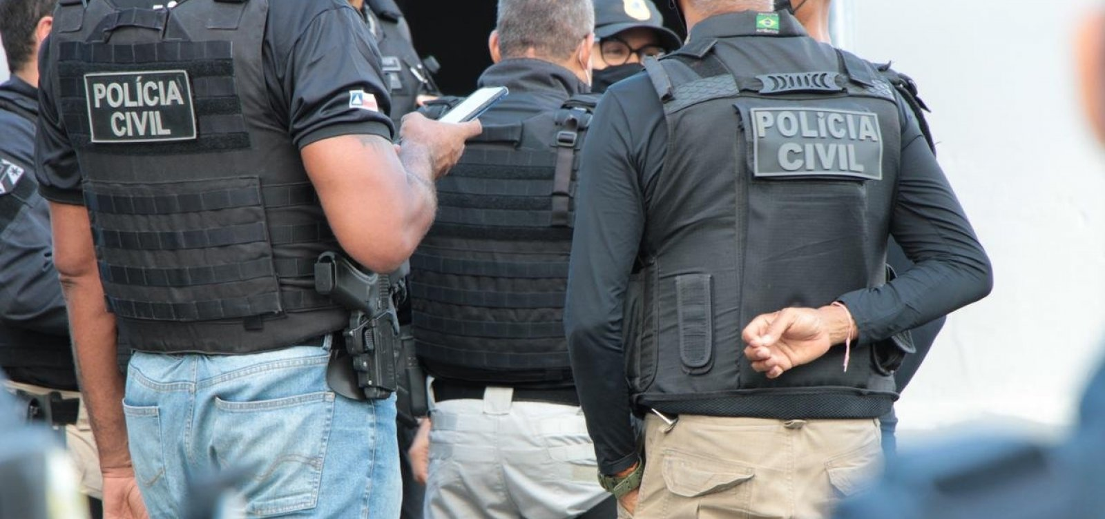 Suspeito de latrocínio na Bahia é localizado em SP após postar foto com fuzil