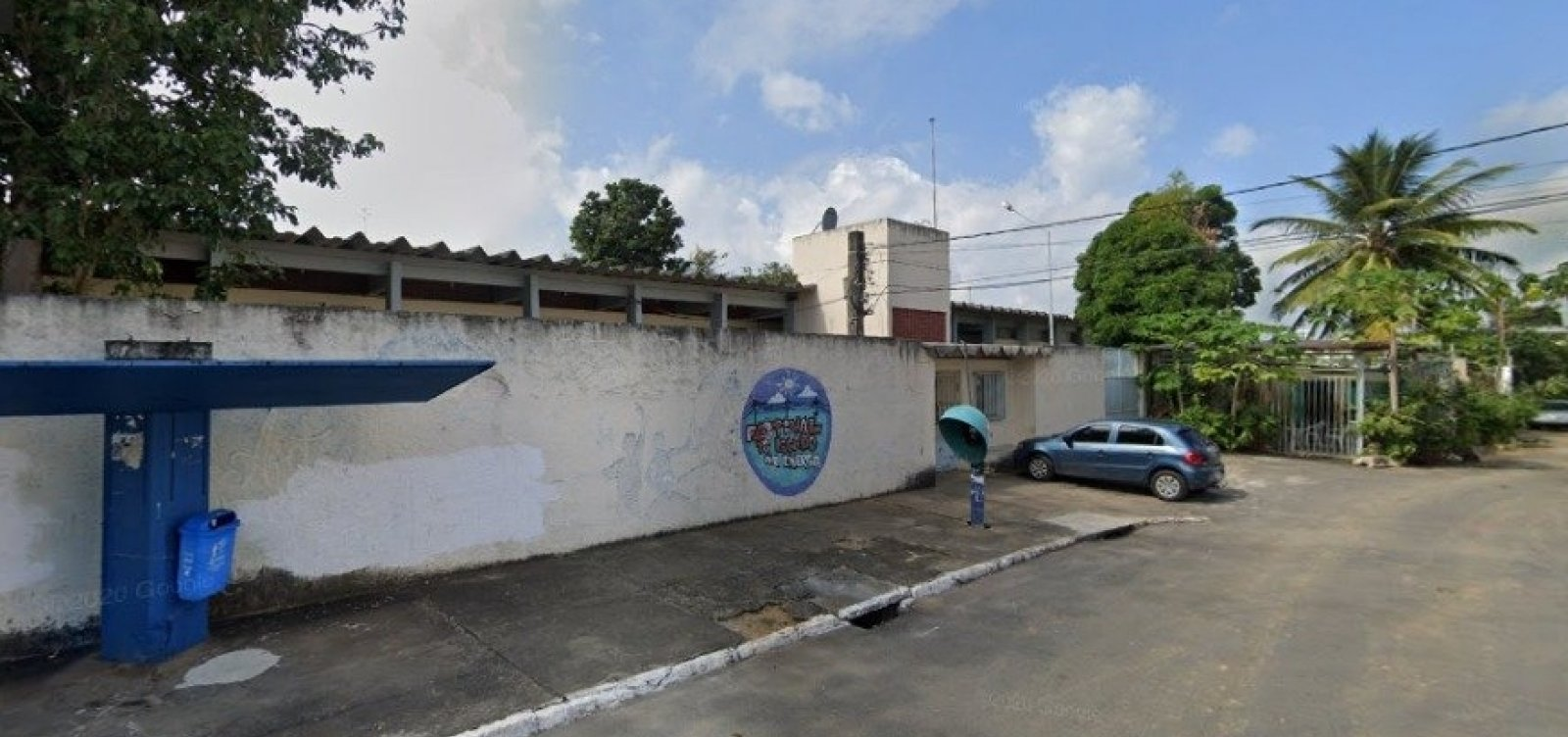 Bandidos furtam tablets, notebooks, instrumentos musicais e fiação elétrica de escola no Resgate