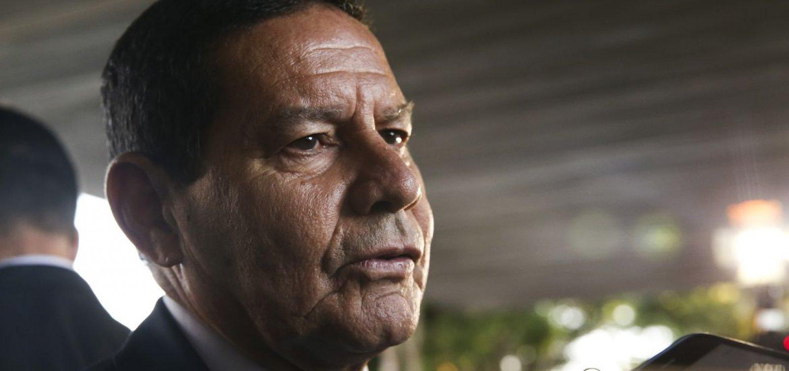 """Mourão diz que ministro da CGU """"deu uma aloprada"""" ao ofender senadora na CPI da Covid"""