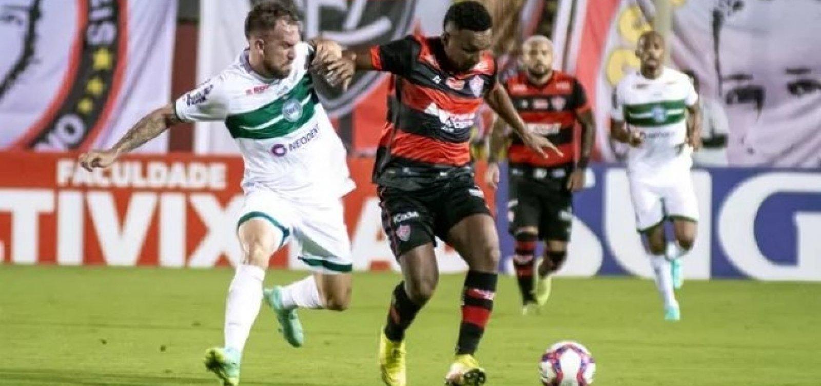 Vitória fica no empate sem gols com o Coritiba e permanece na zona