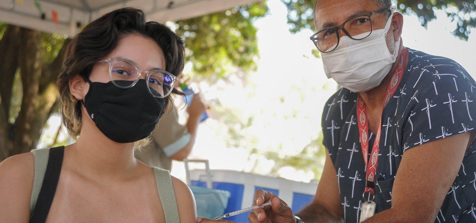 Ministério da Saúde volta atrás e libera vacinação em adolescentes
