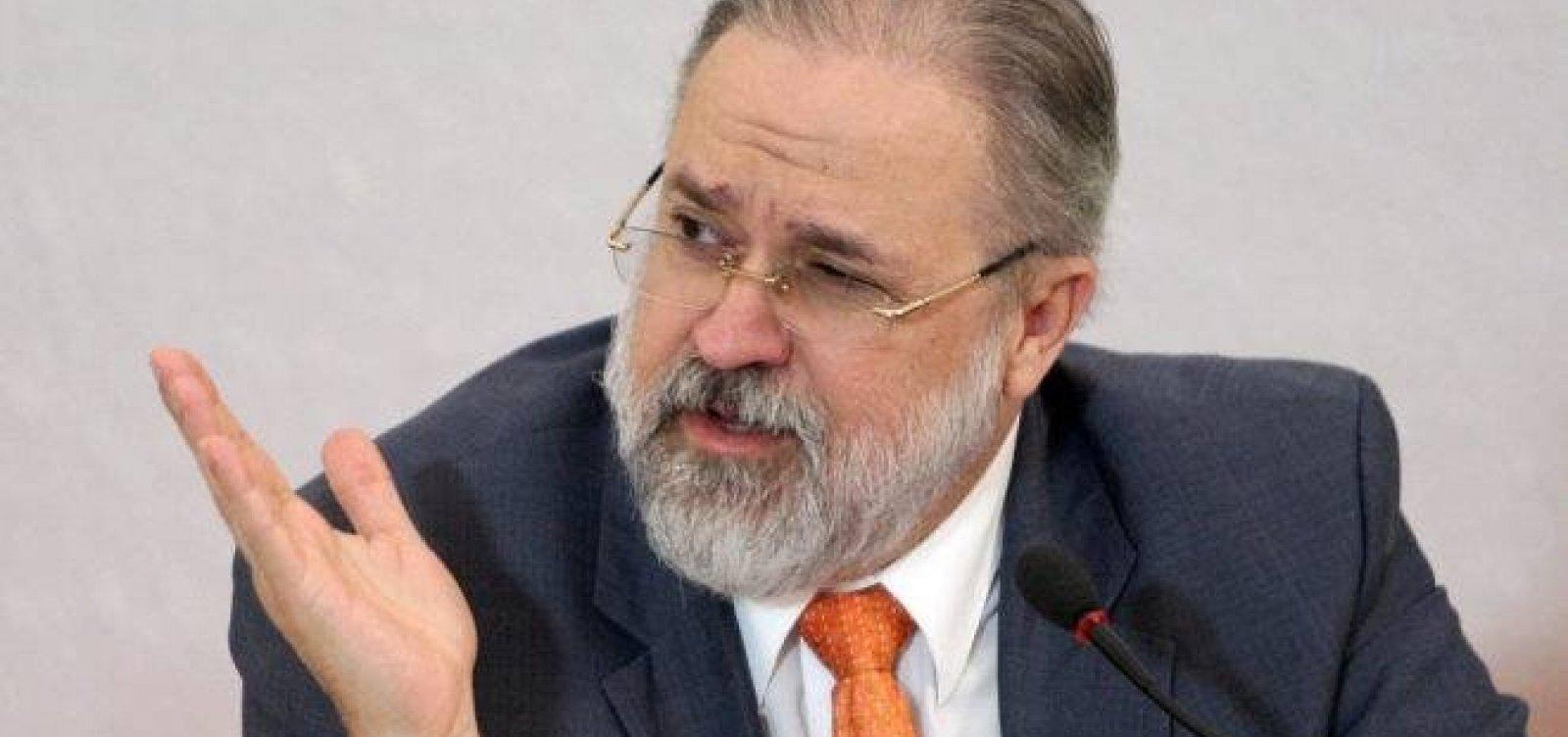 PGR não será instrumento de briga política, diz Aras ao assumir segundo mandato