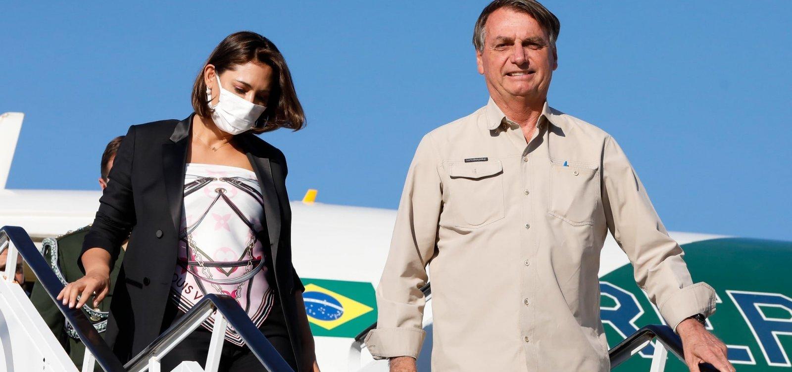 Bolsonaro revela que Michelle tomou vacina contra Covid-19 nos EUA
