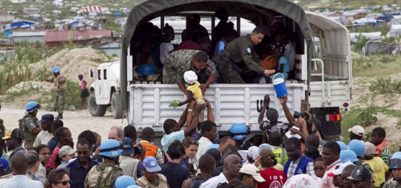ONU pede que Brasil acolha haitianos acampados na fronteira entre EUA e México