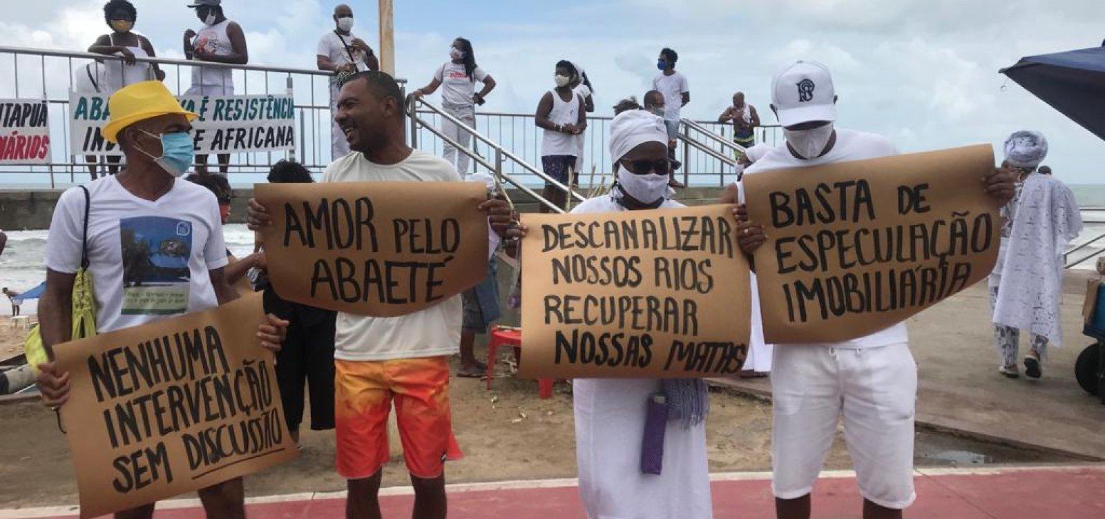 Povo de santo e movimentos sociais protestam em defesa do Abaeté