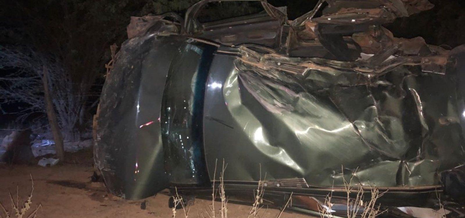 Quatro pessoas morrem e uma fica ferida em acidente na BA-144