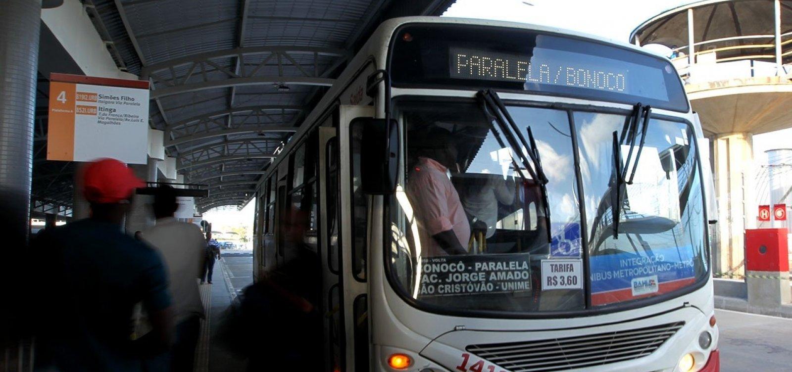 Rodoviários param por duras horas em Lauro de Freitas; categoria diz que não tem salário há dois meses