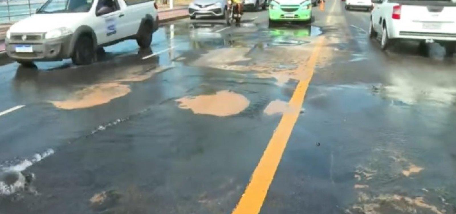 Piatã, Placaford e Itapuã ficam sem água após rompimento de adutora