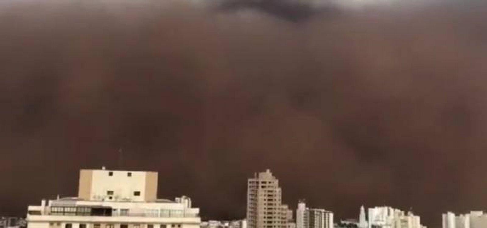 Tempestade de areia assusta moradores do interior de São Paulo