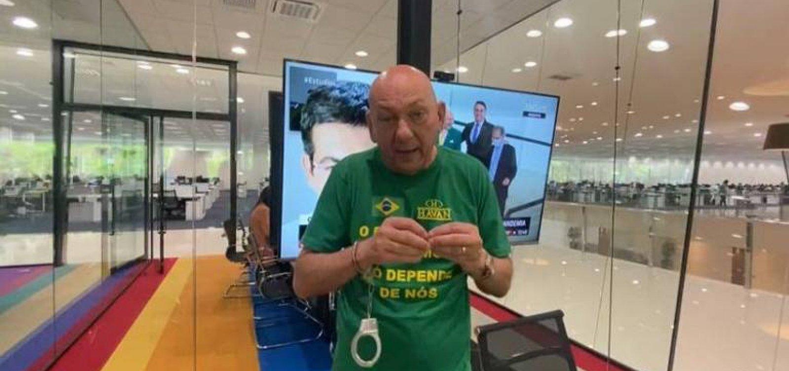 """Luciano Hang faz vídeo com algemas dias antes de depor na CPI: """"Vou entregar uma chave para cada senador"""""""