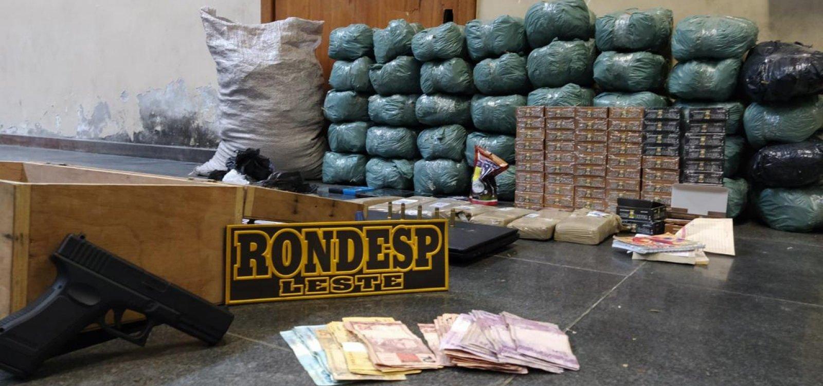 Após consultar usuários de drogas, polícia localiza esconderijo de traficantes em Feira de Santana