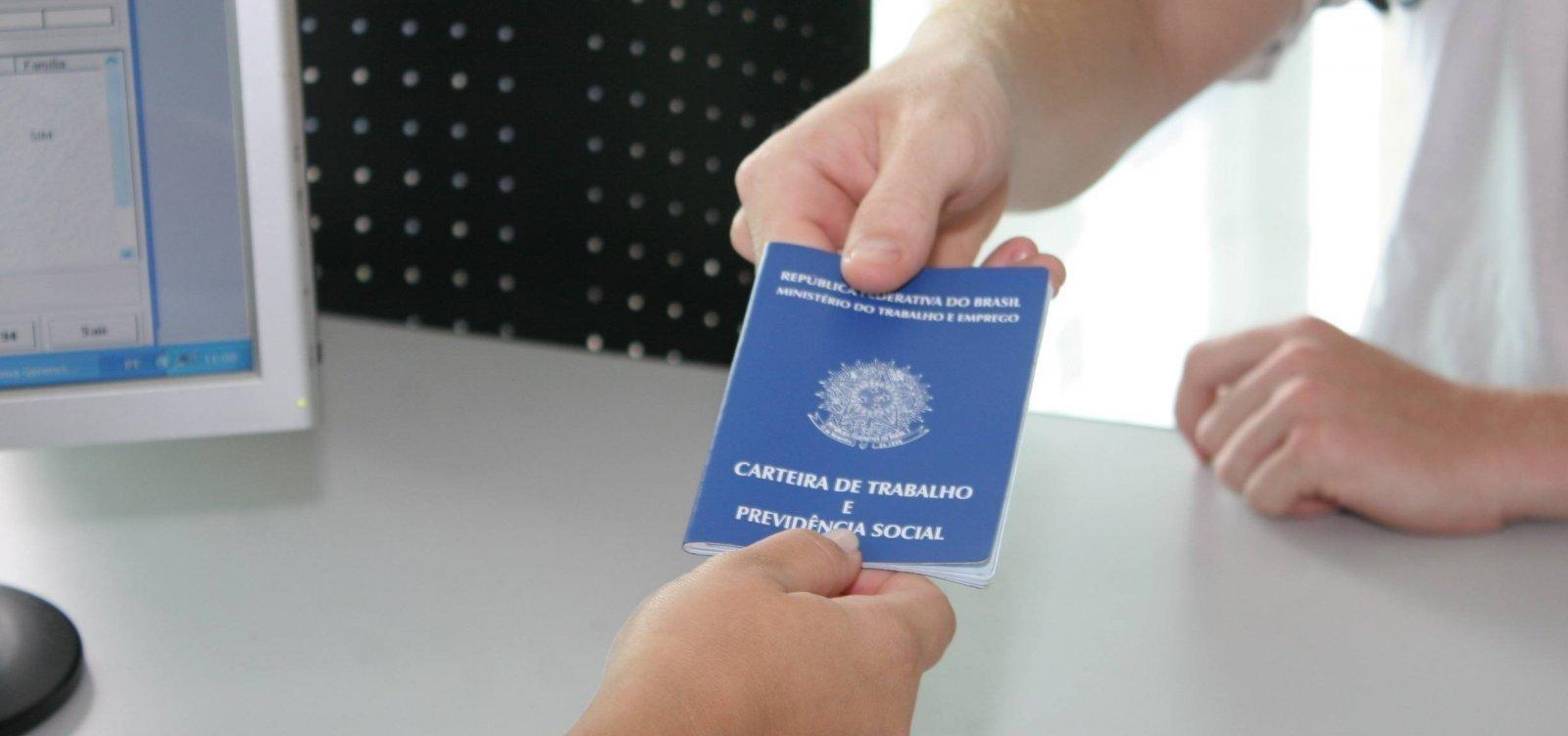 Salvador tem mais de 100 vagas de emprego abertas nesta quarta-feira
