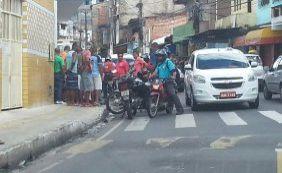 Homem é morto por motociclista na Rua Thomaz Gonzaga, em Pernambués