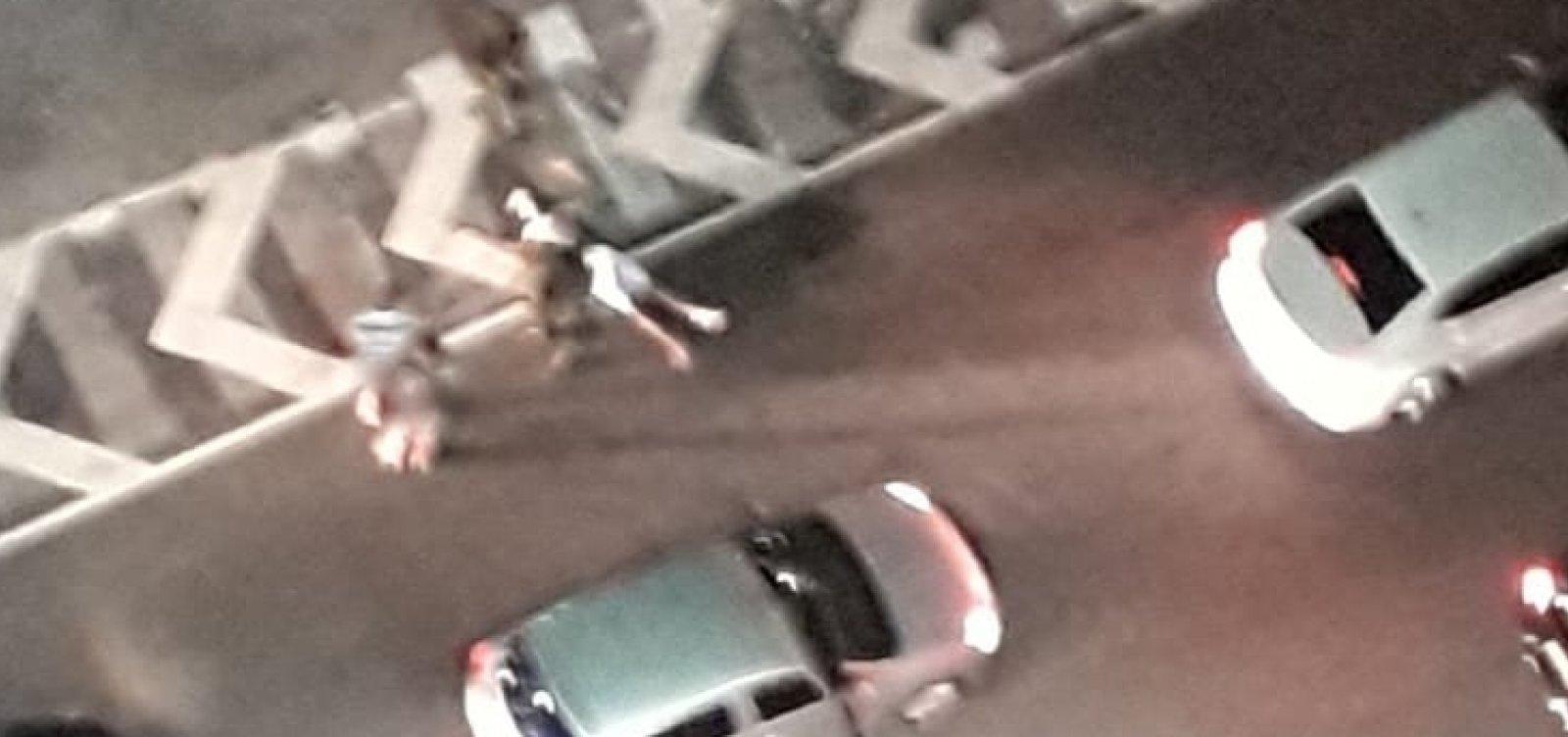 Tentativa de assalto próximo ao Salvador Shopping termina com homem baleado
