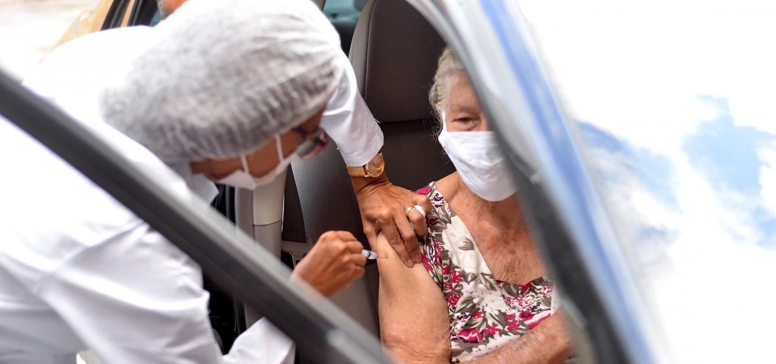 Vacinação contra a Covid segue nesta sexta-feira em Salvador; confira programação