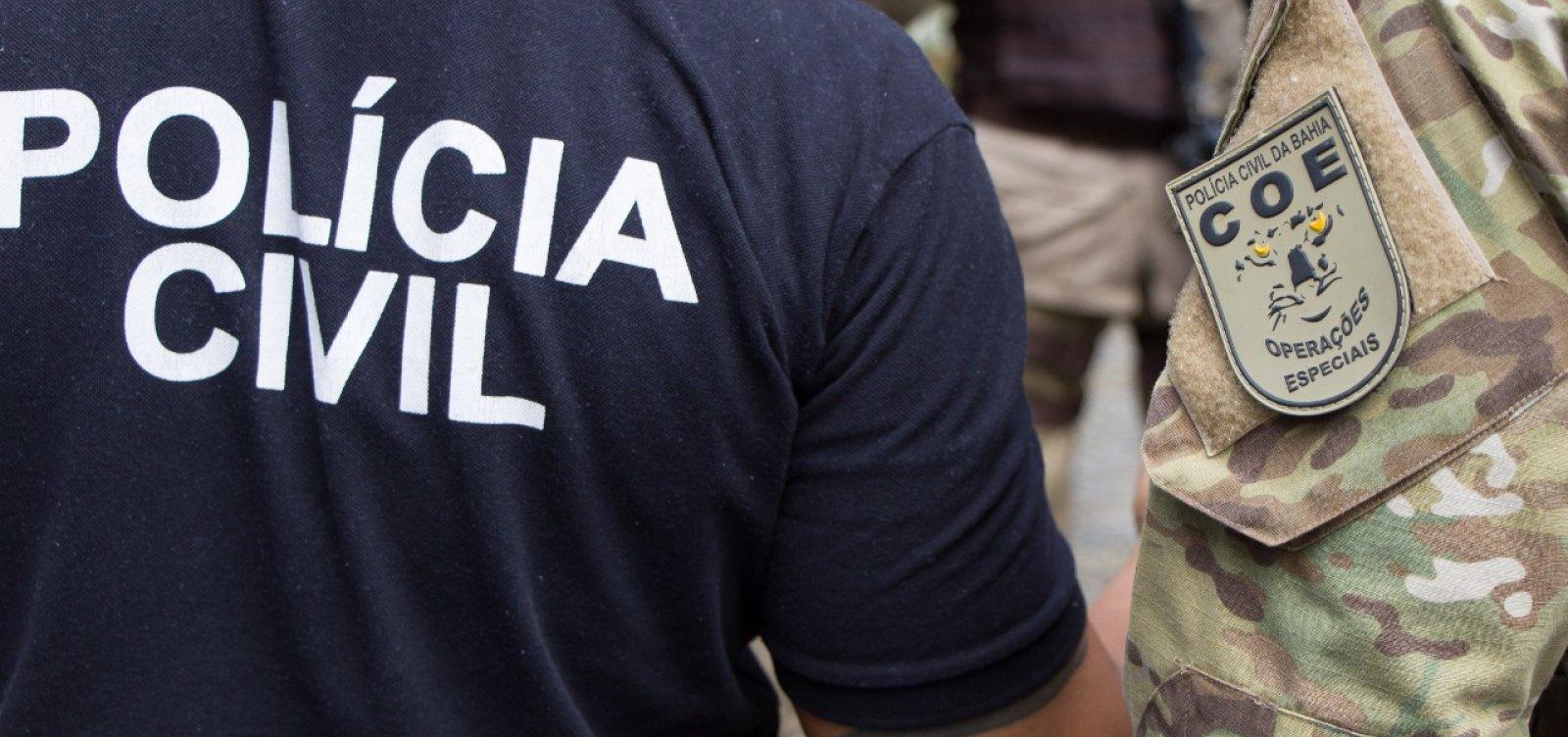 Homem é preso em flagrante em Itapuã depois de atirar na companheira