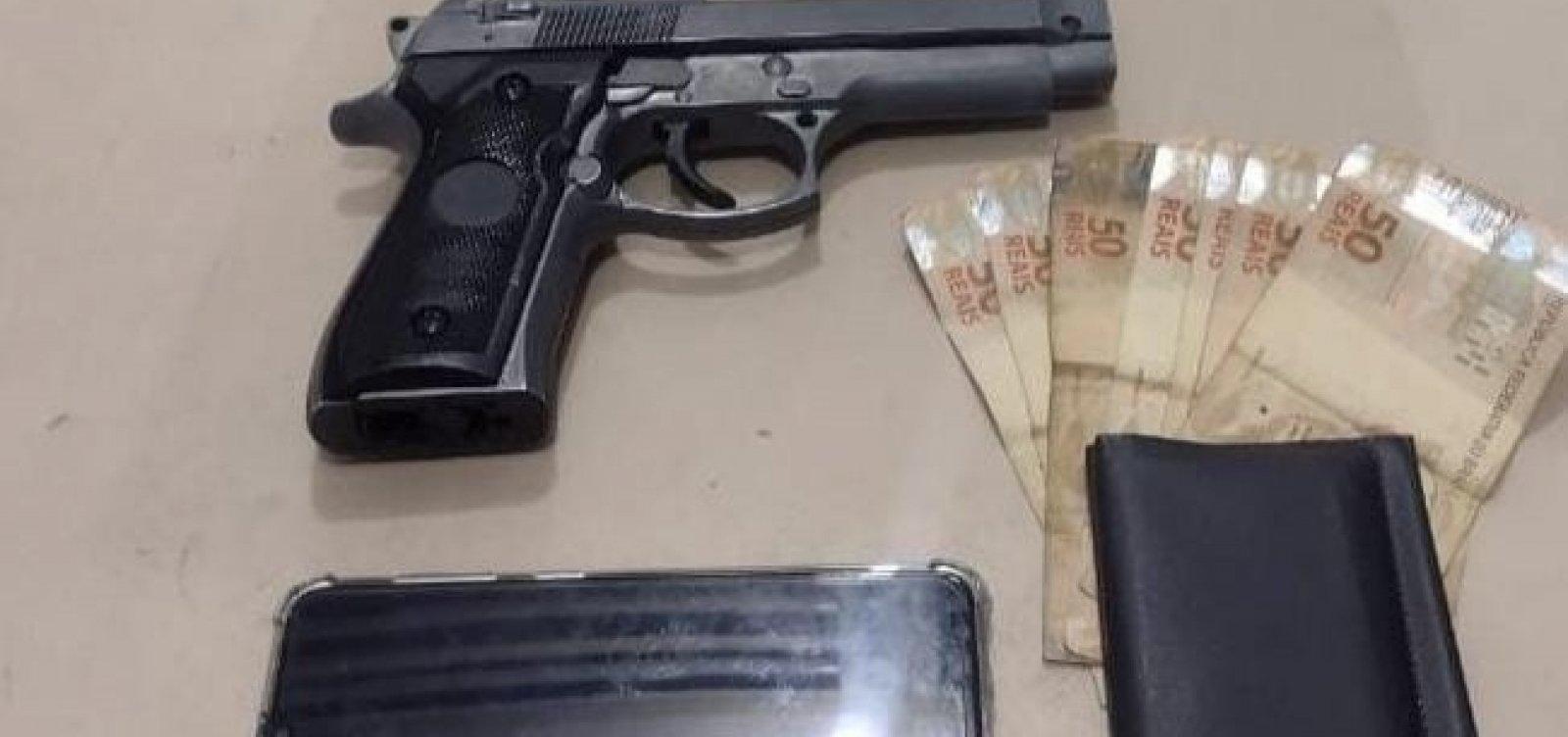 PMs da Gêmeos prende assaltantes de ônibus com arma de brinquedo
