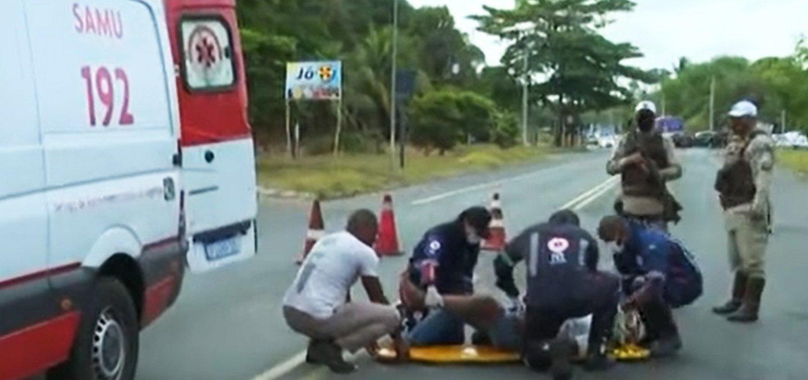 Motociclista fica ferido em acidente na Estrada do Derba