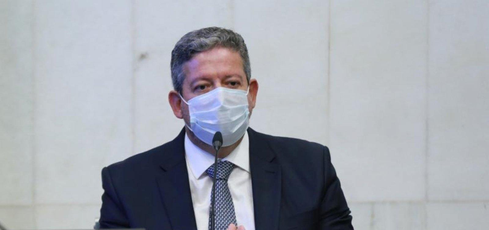 Presidente da Câmara responsabiliza Senado e governo Bolsonaro por crise com Auxílio Brasil