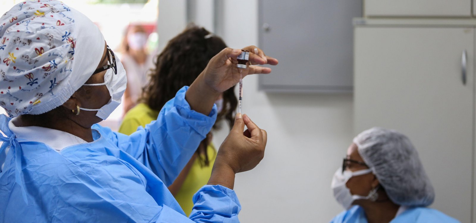 Vacinação contra Covid é suspensa neste domingo