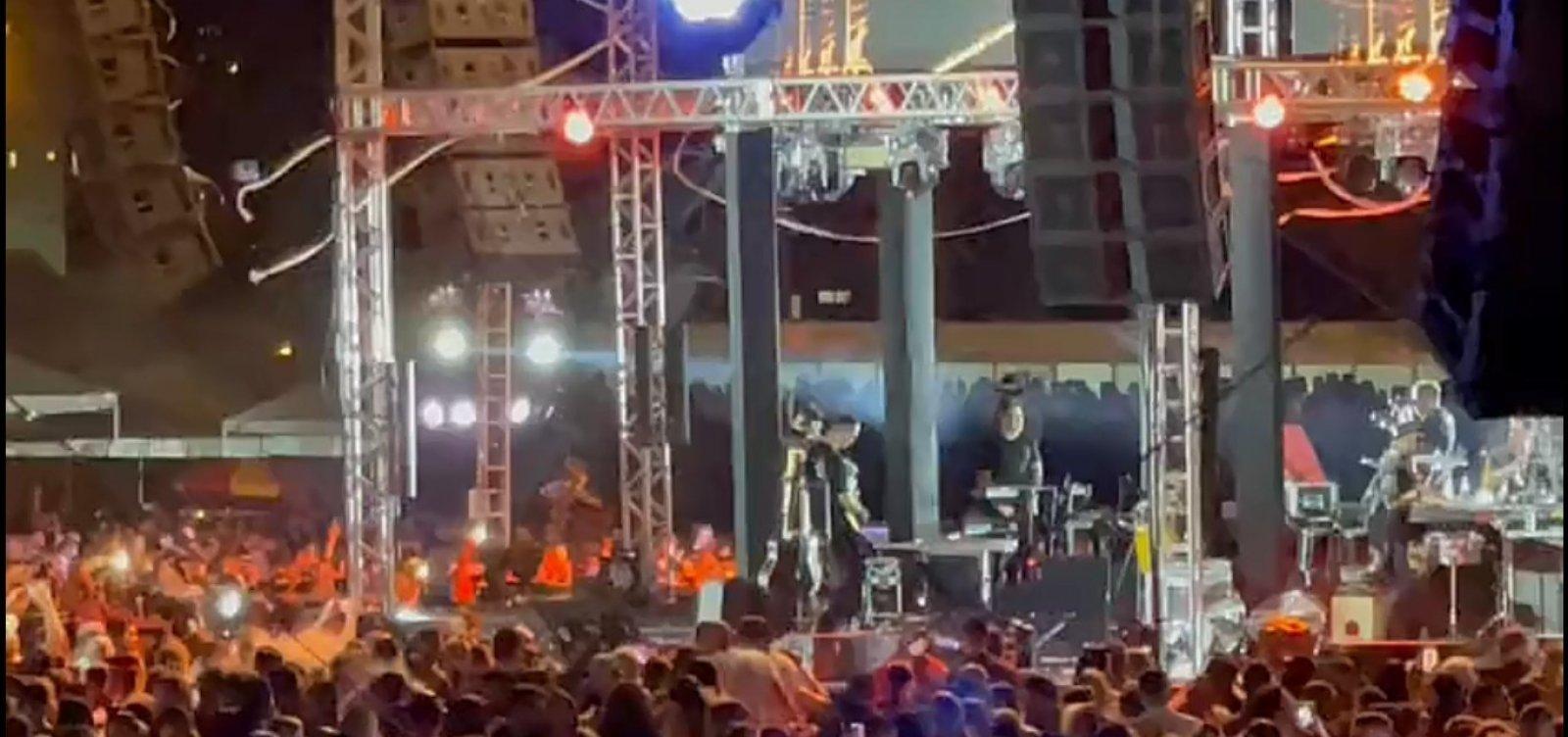 Gustavo Lima faz show para 15 mil pessoas em evento-teste de Goiânia