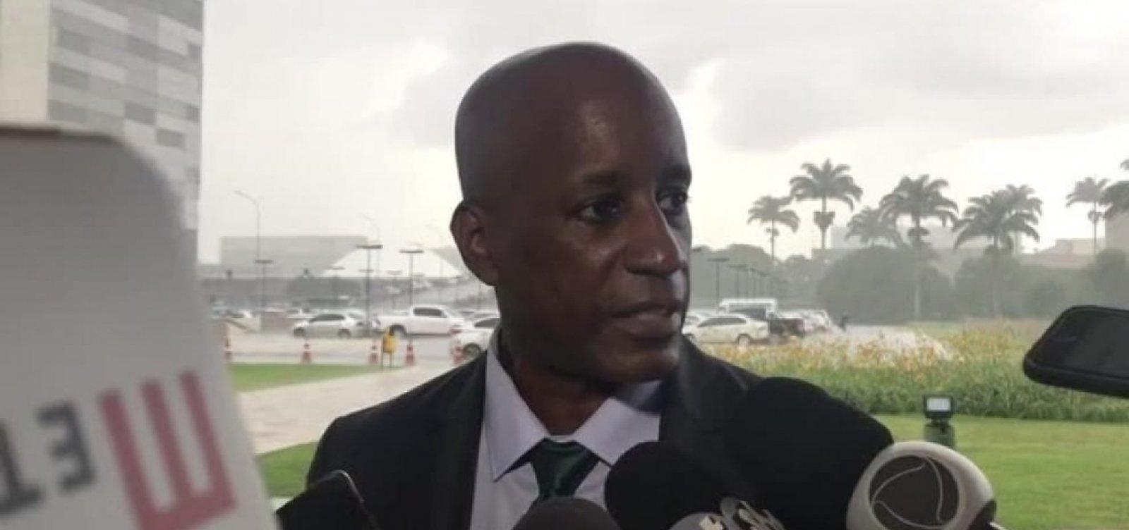 Sérgio Camargo deve apagar posts contra decisão judicial do MPT