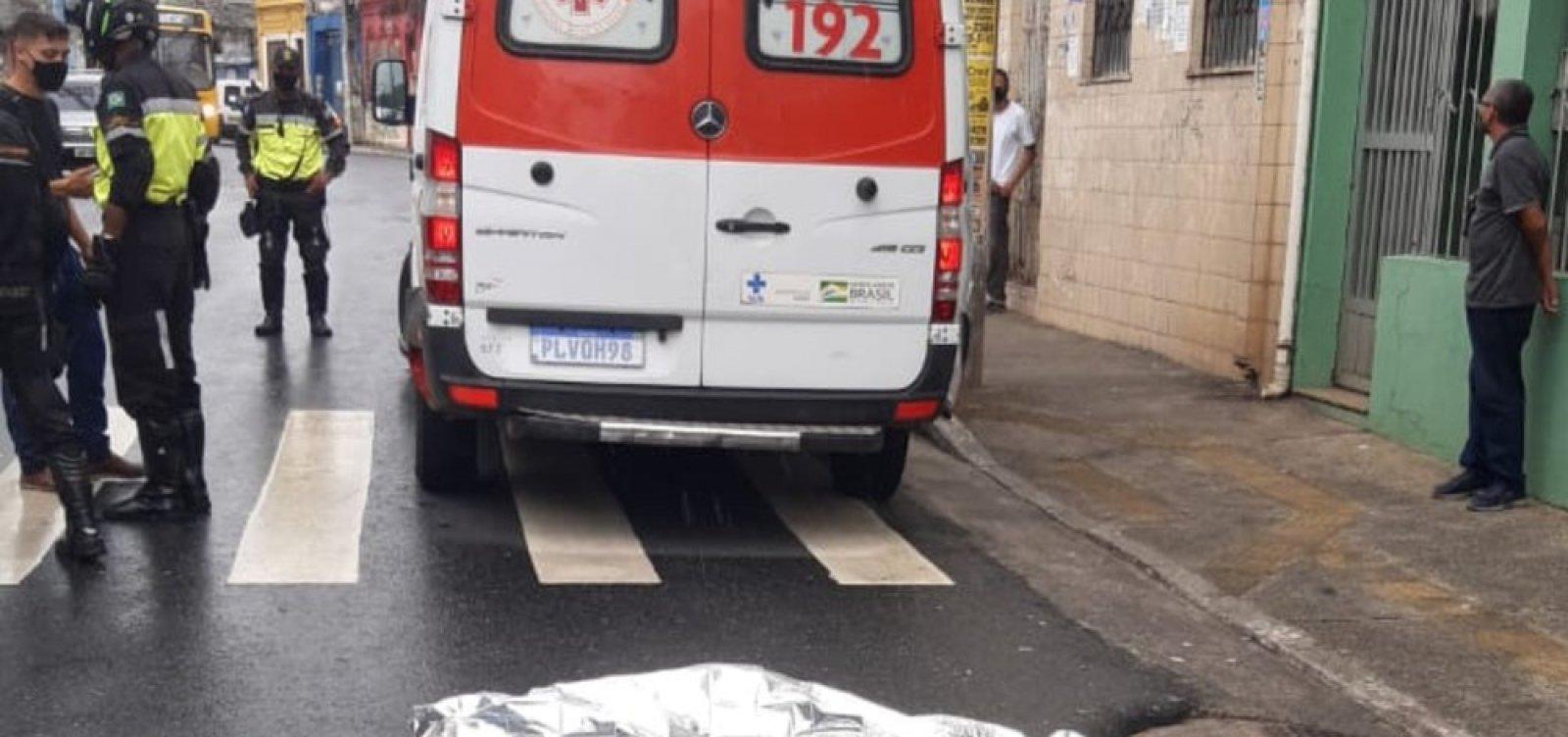 Idoso morre atropelado na Liberdade; vítima caiu sobre a faixa de pedestres