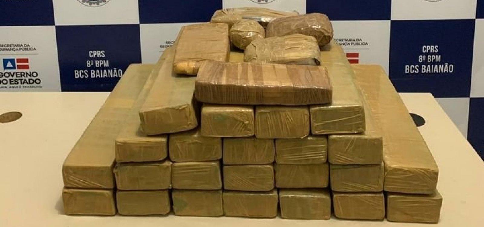 Flagrado com 30 kg de drogas em mochila, homem é preso em Porto Seguro