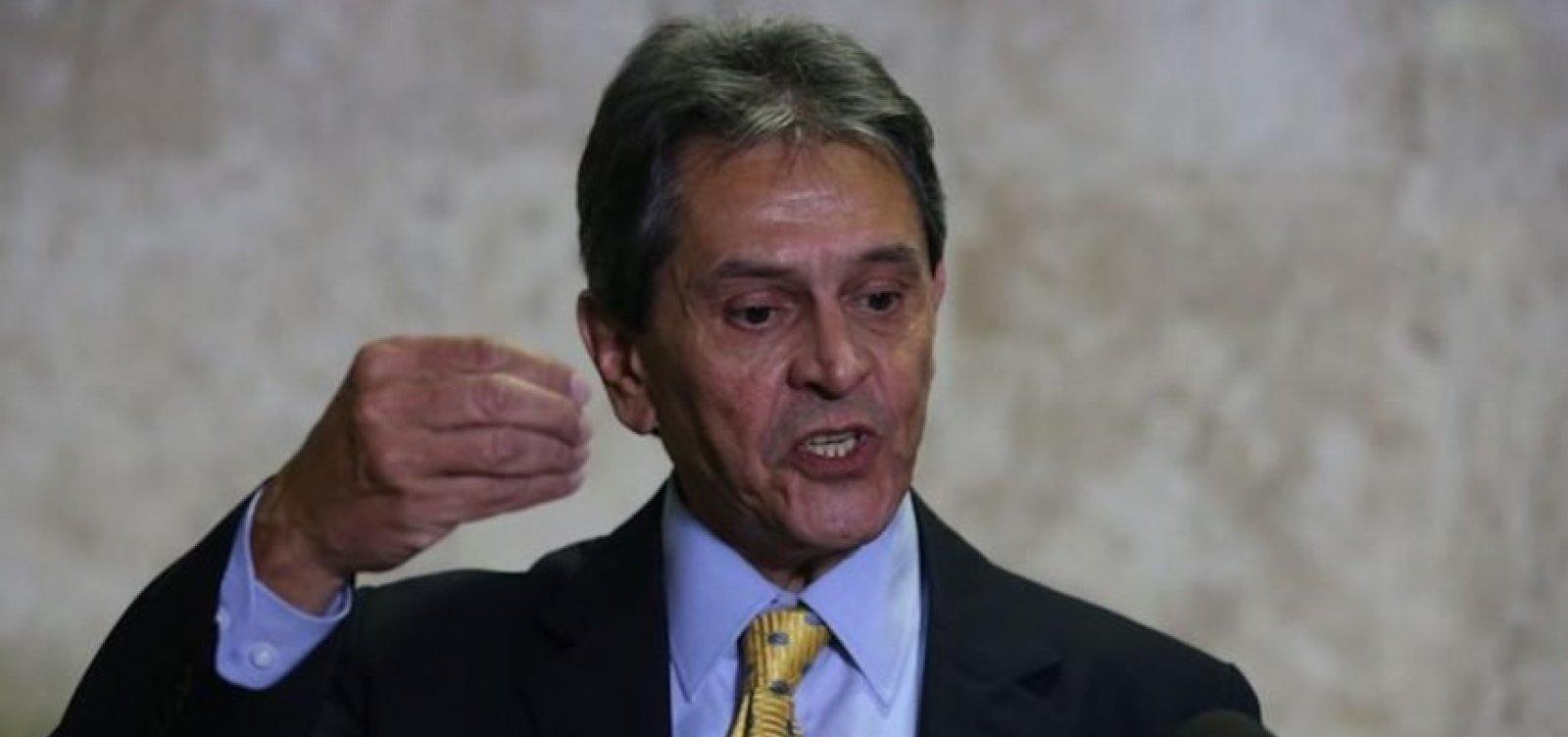 Bolsonaro está viciado nas facilidades do dinheiro público, critica Jefferson em carta
