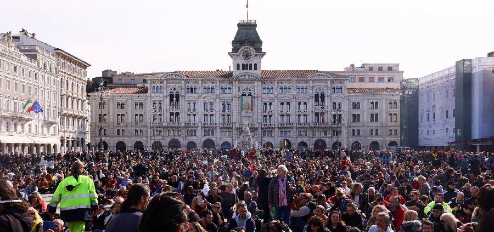 Protestos antivacina viram foco de Covid na Itália
