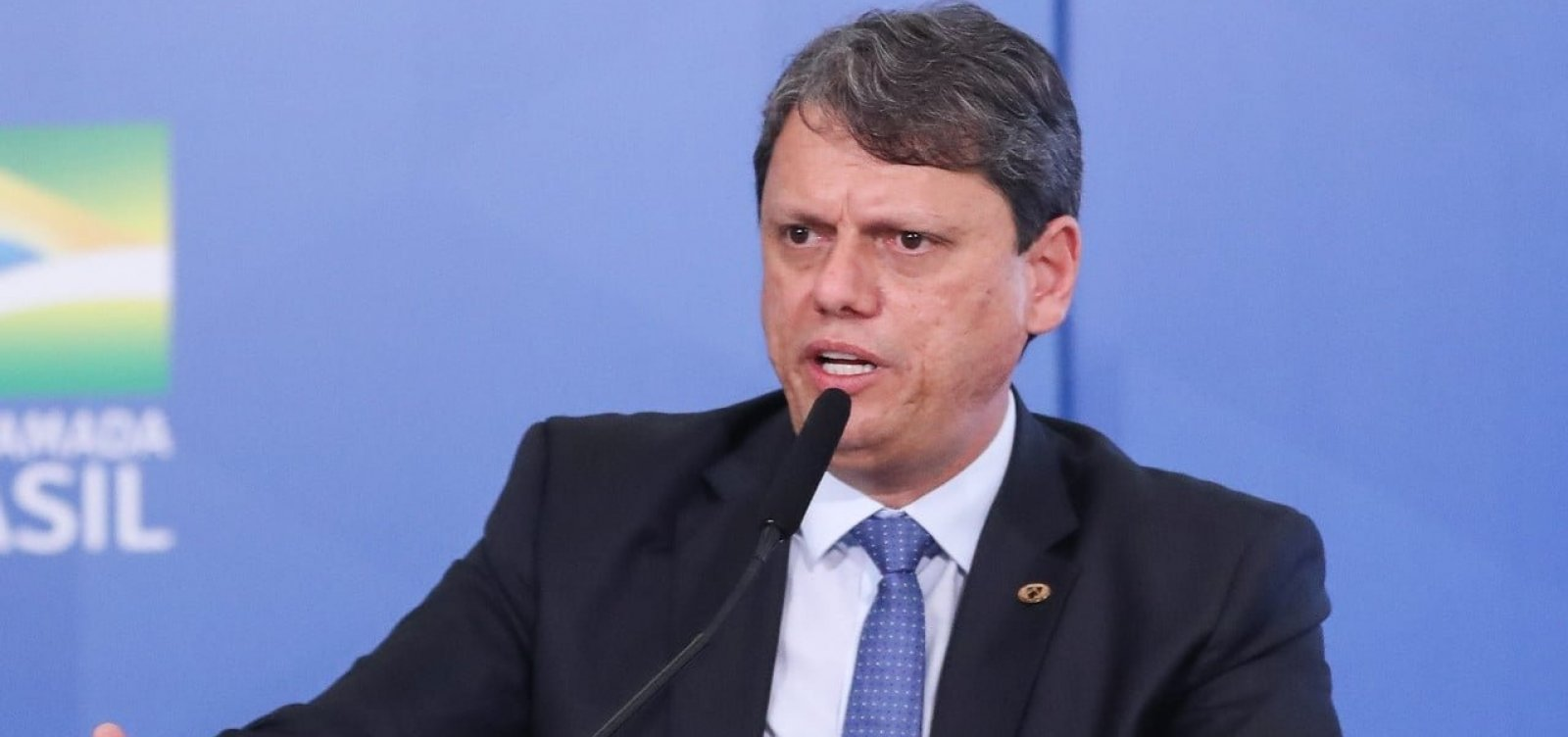 """""""Pode acabar sendo abandonada"""", diz ministro sobre ideia de auxílio a caminhoneiros"""