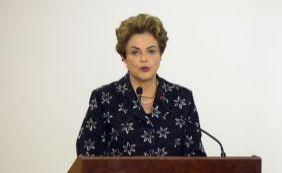 """Dilma se diz """"estarrecida"""" com previsões do FMI para economia brasileira"""