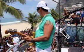 Durval Lelys arrasta milhares de pessoas nas ruas do Rio neste domingo