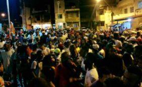 Festa termina com um baleado e viatura destruída no Nordeste de Amaralina