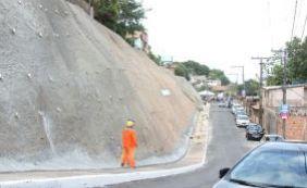 Rui entrega encosta no Lobato e assegura continuidade de obras na cidade