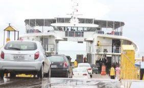 Prancha apresenta defeito e passageiros relatam atraso em ferry de Bom Despacho