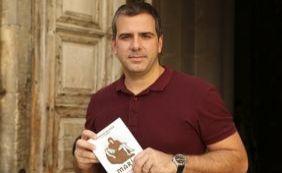 """""""Uma pesquisa de dois mil anos de historia"""", diz jornalista sobre livro """"Maria"""""""