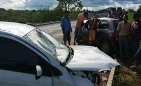 Colisão frontal entre dois veículos deixa idoso de 62 anos morto na BR-349
