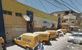 Bandidos arrombam agência dos Correios na Boca do Rio