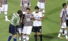 Ex-Vitória é agredido por Fred em lance na Primeira Liga; veja vídeo