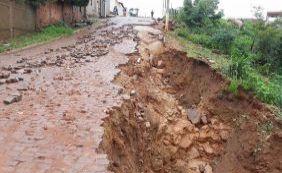 Forte chuva atinge Caetité, destrói ruas e espalha lama pela cidade