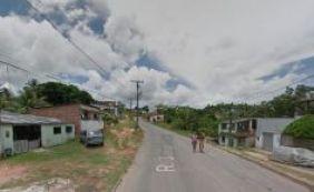 Mães protestam por fechamento de escola em Simões Filho
