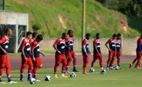 Doriva esboça time titular do Bahia contra a Juazeirense